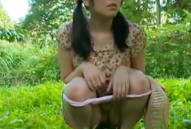 しゃ~~~~♡『ヘンリー塚本(^^♪』原っぱで放尿&オナニーしちまうロリ娘を変態チ○コがオシオキしちまった~wwww