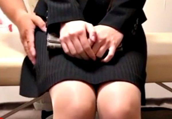 ガクガク…『盗撮・鬼畜マッサージ(^^♪』狙われた美脚OLおねーさん施術師の凄テクでマ〇コ抹殺?されちった…wwww