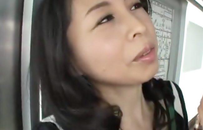 『アラフィフ母ちゃん…覚醒(^^♪』どうょ此の完全メスお顔♡痴漢野郎を逆に連れ込んで中出しさせちまったぁ~wwww