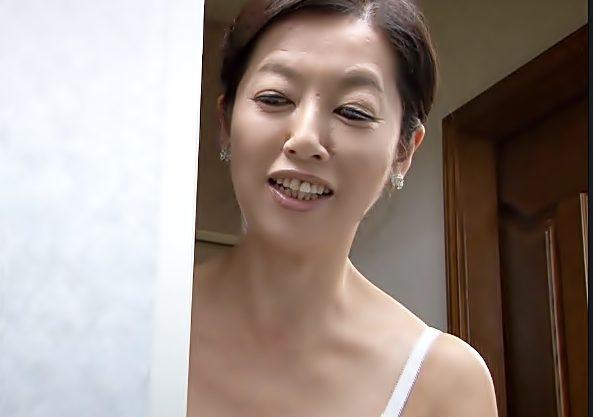 早くぅ♡『五十路…サセ子(^^♪』年下チ〇ポの濃厚ザーメンを子宮に欲しがる叔母さんって狂ってるぜwwwww