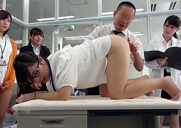 お尻やだぁぁぁぁ♡『おバカ菊門研究所(^^♪』SOD女子社員のお尻処女が快感に目覚めちまうぜwwwww