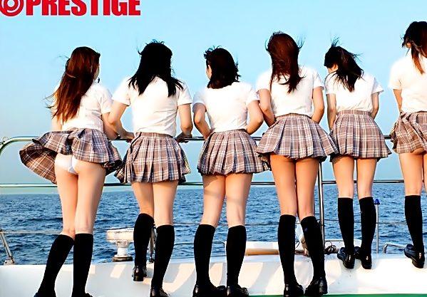 やっほぉぉぉぉJK小娘の純白パンツがいっぱい(^^♪ハメを外し捲るロリ娘達と船上大乱交wwwww