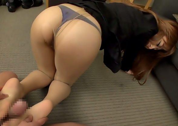 桃尻GALを調教だぜ(^^♪スカートを剥ぎ取った?パンスト御脚で足コキを教え込まれちまったお姉さんwwwww
