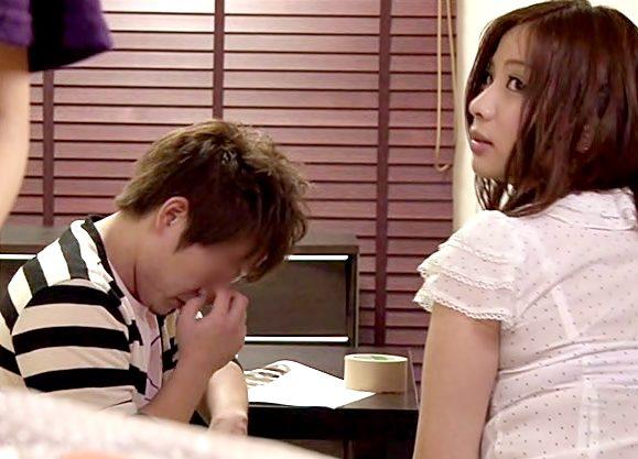 ヤバぁぁぁ~肉食お目目ビーム♡『佐々木恋海(^^♪』カレのツレを小悪魔笑顔が凄テクで寝取っちまったwwww