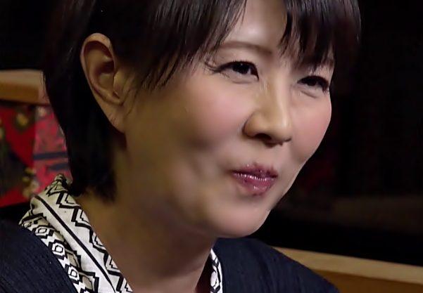 『円城ひとみ』発情モードに突入したおばさんって驚愕♡温泉でオシッコ漏らしに年下チ〇コ咥え込んじまう暴走スタートwwwww