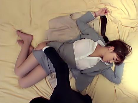 『吉川あいみ(^^♪』人妻OLを寝取ったったぜ(^^♪泥酔でスヤスヤお休み中のデカパイ♡我慢なんて出来るわけねえゼwwww