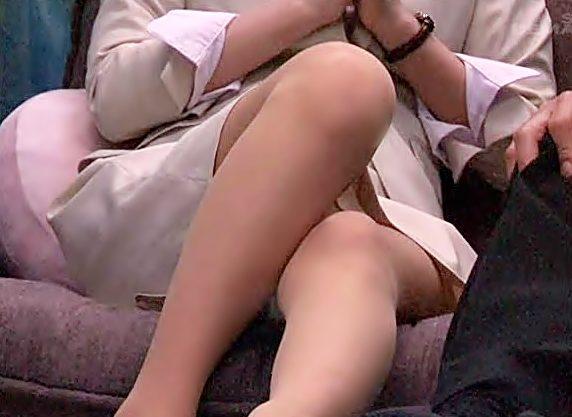 『素人ナンパ(^^♪』御脚が超キレイな憧れの先輩とオナニー見せ合うって♡想定通り我慢限界チ〇コが突撃しちまったwwwww