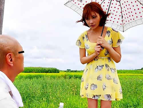 【キララ♡ド田舎で暴走しちまった(^^♪』アイドル娘が枯れかけたオッサンチ〇コを復活&咥え込んじまったwwww