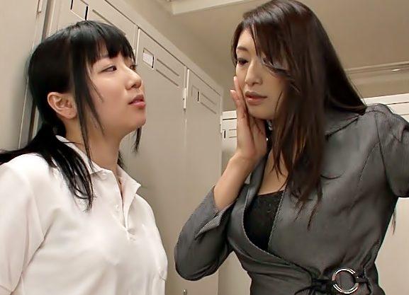 『小早川怜子(^^♪』はふん♡美味しそうなロリマ〇コちゃん♡おばさん先生がツッパリJKをレズ逝きの快感に嵌めちまったwwww