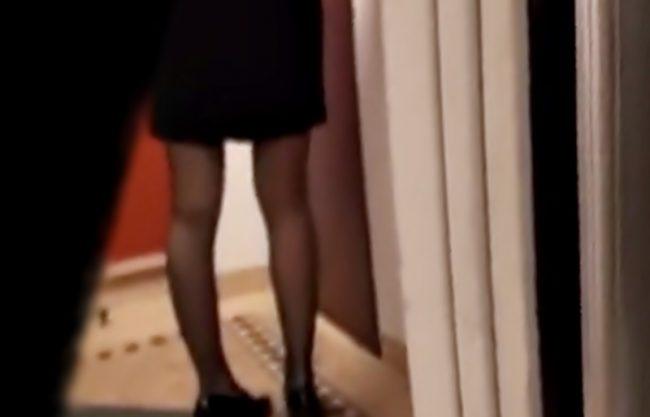 へへへ!美味しそうなパンストお姉さん発見(^^♪完全変質者に狙われた美女が強引な中出しされちまったキケンな動画WWWWWWW