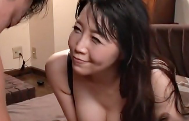ふふふ♡いっぱい膣に出しちゃったね♡『桐島美奈子(^^♪』巨乳な義理ママのお色気に骨抜きされた娘婿を中出しで横取りだぜwwww