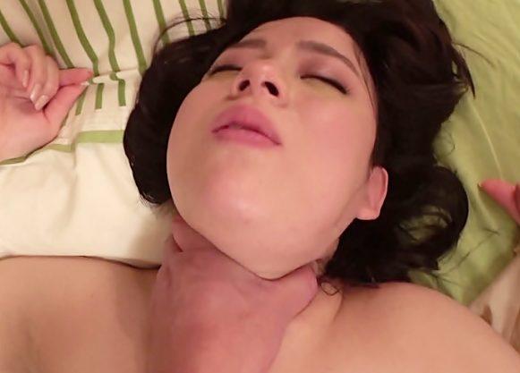 やり杉ーーーーーおでぶ死んじまったのか『三島奈津子(^^♪』ドスケベ奥さまの首絞めでマ〇コ締め付け杉で中出ししちまったwwww