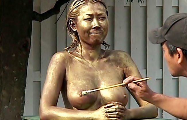 (笑WWWW)完全おバカ企画スタート♬銅像らされちまた巨乳素人さんが野外の調教・奴隷責めに絶叫しちゃうぜWWWWWWWWWW