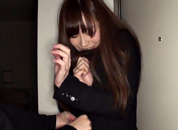 おねがい。。。。許して♬強●魔に狙われた黒髪お姉さんがボロ雑巾のように犯されちまうぜぇぇぇ~WWWWWWWWWWWWWWWW