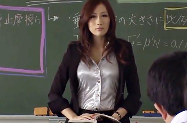 〚JULIA♬〛皆さん真面目にしなさい!エロフェロモンをばら撒く先生が学園で中出し便器に堕ちちまったWWWWWWWWWWWW
