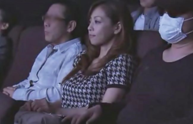 〔麻生早苗♬〕嫌>>>触られてる!映画館で強◎魔の標的にされた奥様が完全ペットに堕とされるぜ~WWWWWWWWWWWWWWWW